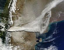 Dieses Satellitenbild der NASA vom 13. Juni zeigt weite Teile Argentiniens und Uruguays unter der Aschewolke Foto: NASA MODIS