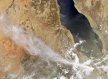Asche des Vulkans Nabro (rechte untere Bildecke) zieht nach Nordwesten über Äthiopien in den Sudan (links oben) Foto: NASA MODIS