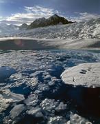 Columbia Gletscher in Alaska, Juli 2008: An der Oberfläche aufgestautes Schmelzwasser im Akkumulationsgebiet.  Bild: W. Tad Pfeffer
